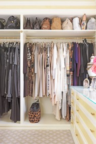 201203-omag-gayle-closet-color-coordinated-284x426